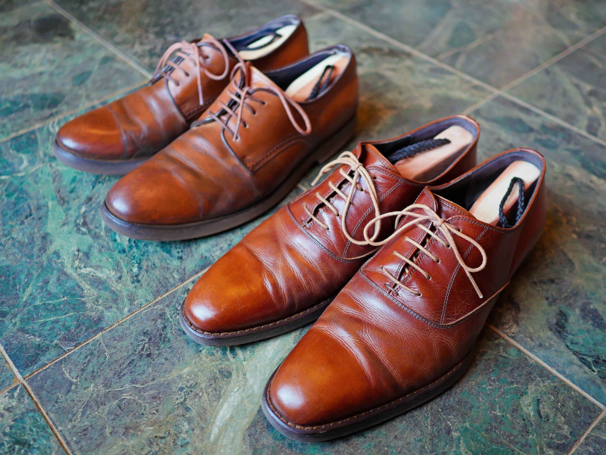 取り 革靴 シワ